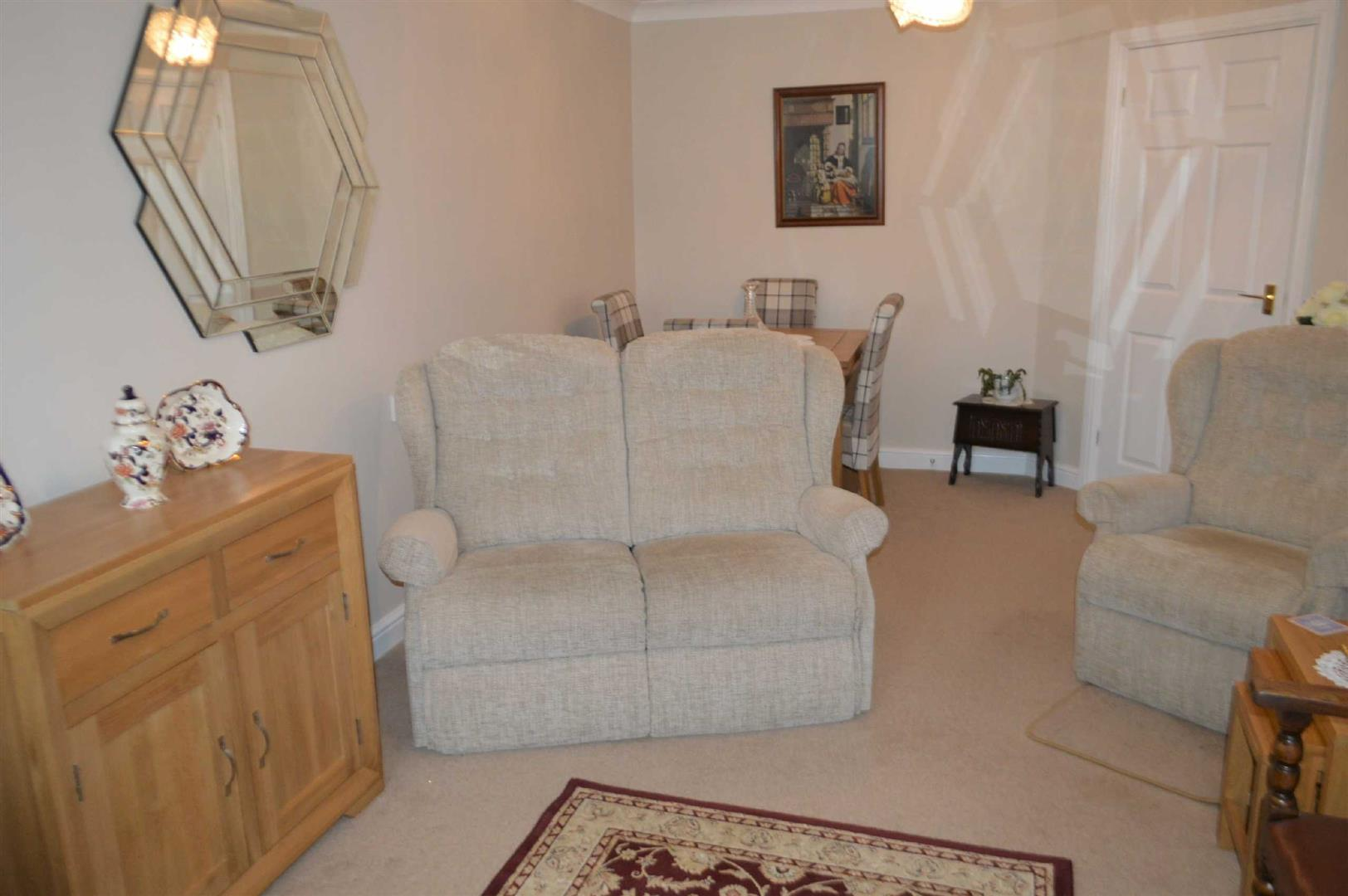 Maxime Court, Sketty, Swansea, SA2 9FB